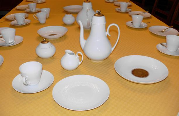 Romanze Porcelain Tableware Set by Bjørn Wiinblad for Rosenthal 1959/60 & Buy Bjorn Wiinblad designs online at Pamono