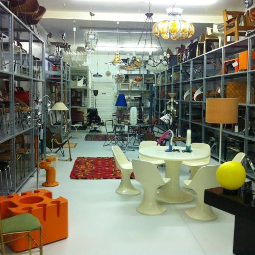 nobarock moderne antiquit ten online shop shop m bel bei pamono. Black Bedroom Furniture Sets. Home Design Ideas