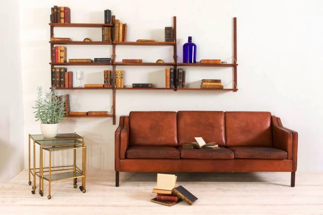Einziehbare Liegestühle, Sessel und Sofa aus Leder und Kunstleder