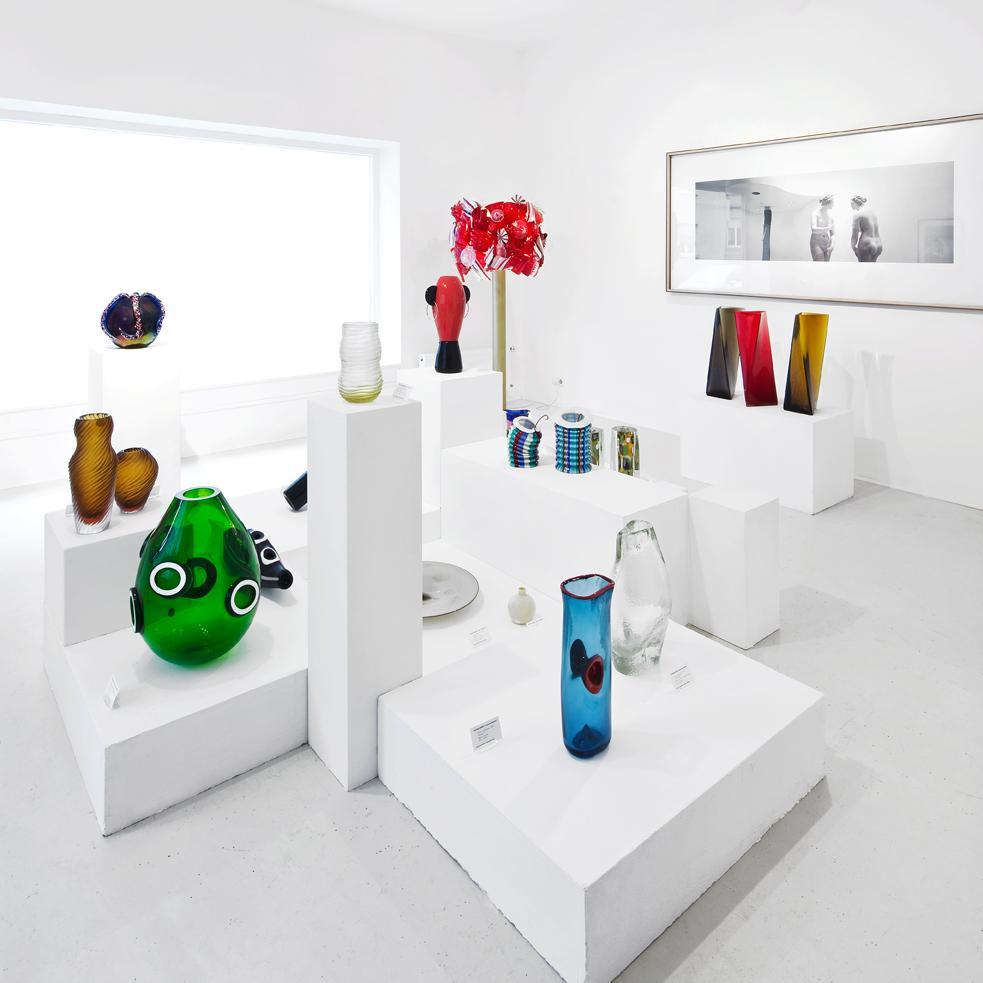 galerie der moderne online shop shop furniture at pamono. Black Bedroom Furniture Sets. Home Design Ideas