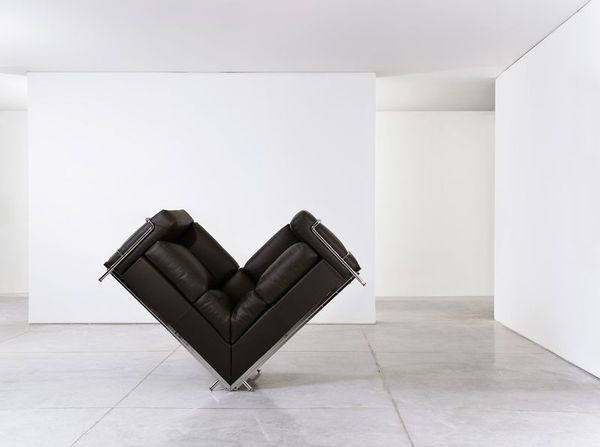 Gilad_sofa