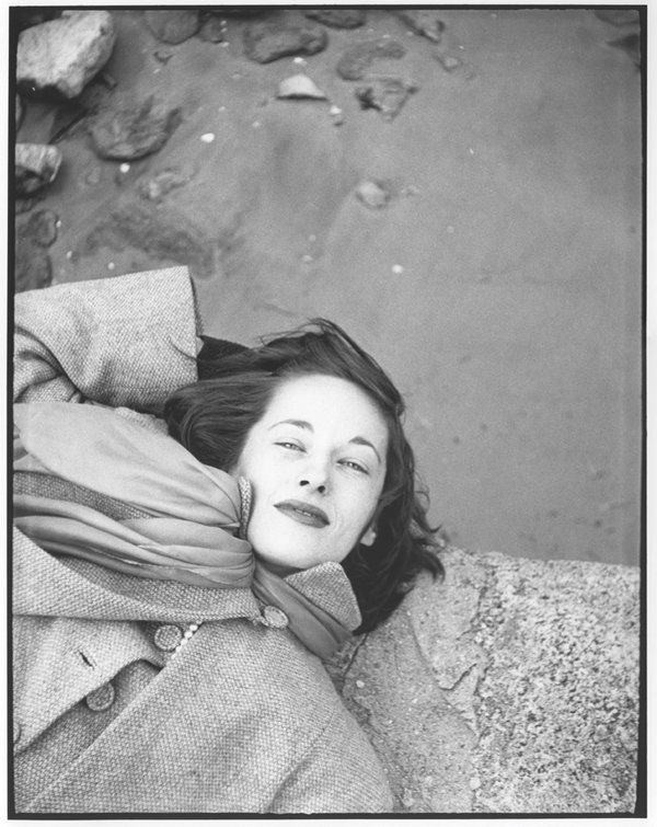"""Kim, Sunday Morning, The Cloisters, (variant)"" c. 1947 © Saul Leiter"