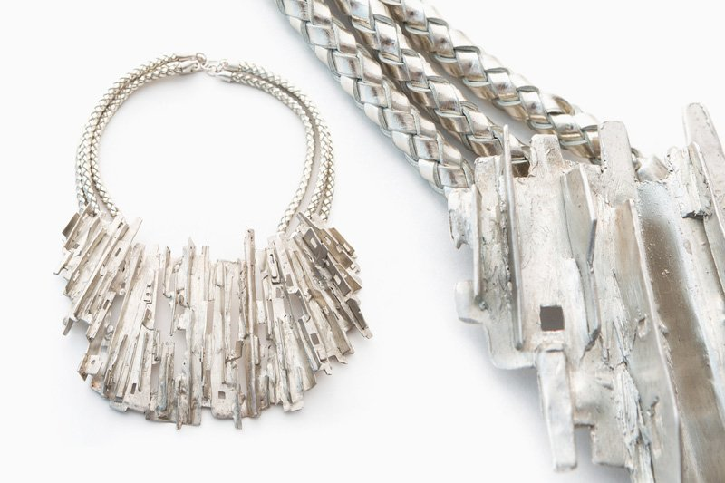 Ridged Cityscape Necklace. Image courtesy of Cristina Grajales Gallery and L'ArcoBaleno.