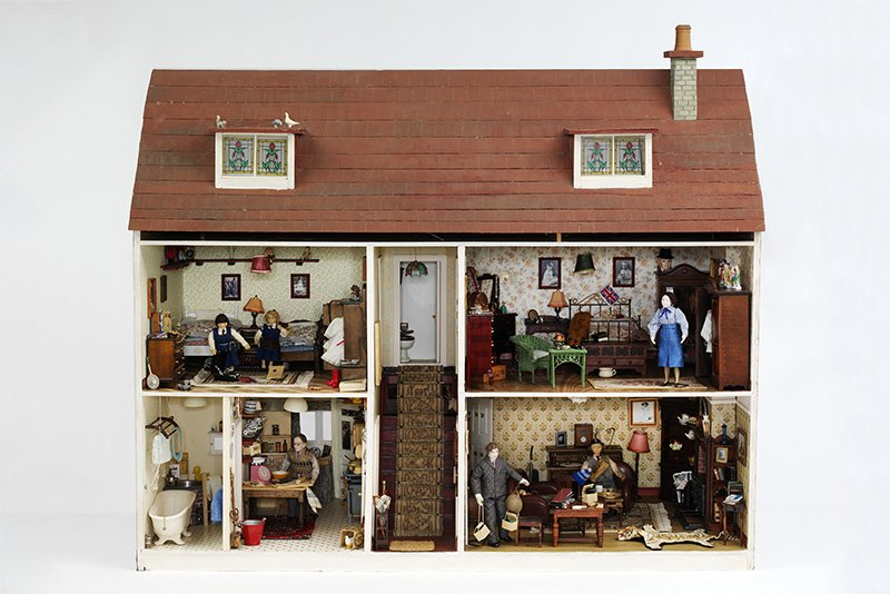 The interior of the Hopkinson House show a Second World War-era family, poised for an air-raid,with miniature gas masks, ration books and torches for the blackouts. © Victoria & Albert Museum