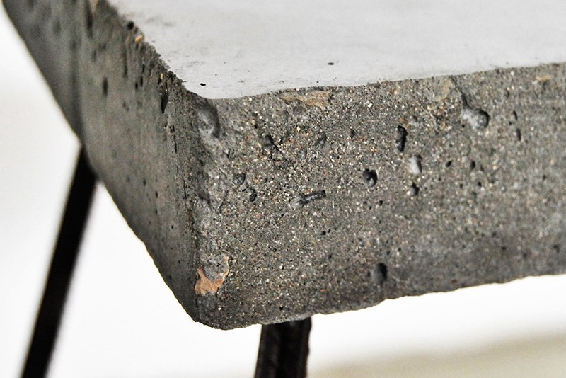 Close-up of the concrete Con-Tradition Stool © MICROmacro
