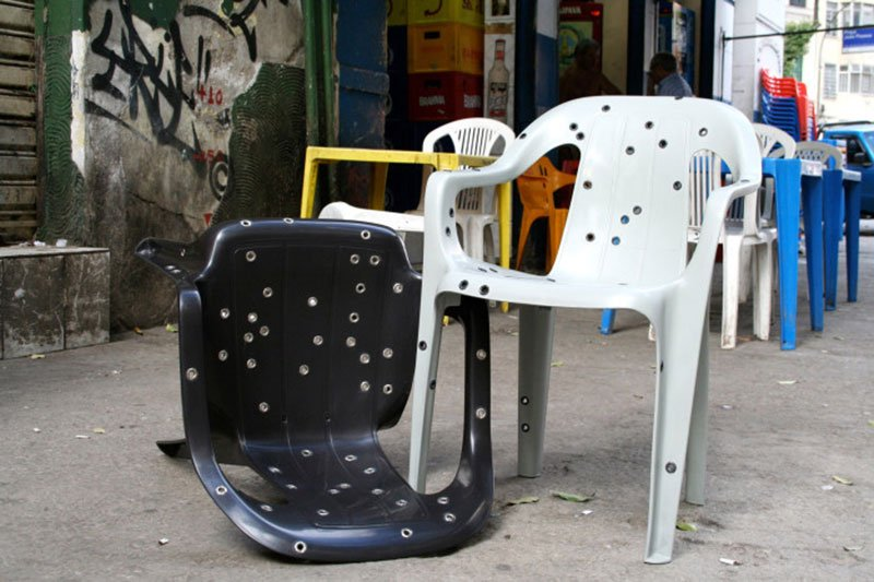 Stray Bullet Chair by David Elia, 2011. Courtesy of David Elia; © David Elia.