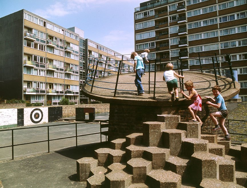 Churchill Gardens Estate in Pimlico London (1978)