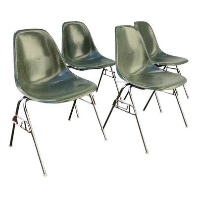Sedie impilabili in fibra di vetro DSS di Ray & Charles Eames per ...