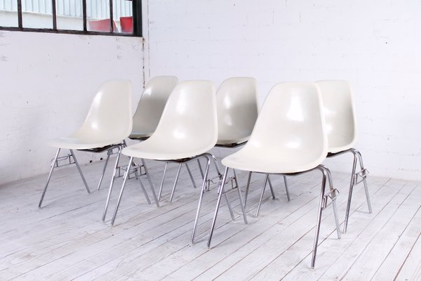 Mid Century DSS Fiberglass Chair By Charles U0026 Ray Eames For Herman Miller 1