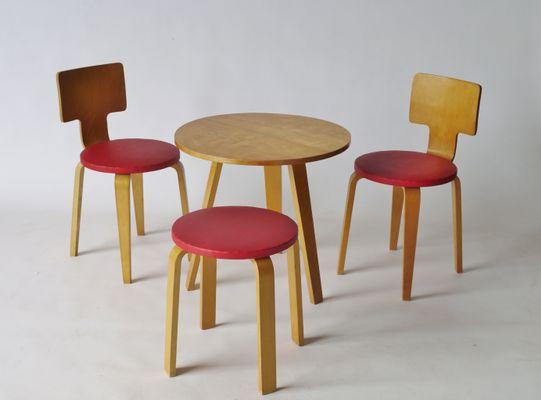 Tavolo sedie e sgabello modello 519 di cor alons per de boer anni
