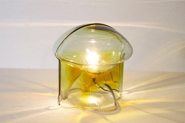 Lampada da tavolo medusa in vetro di umberto riva per veart