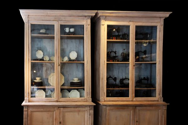 Antique French Pharmacy Cabinets, Set of 2 2 - Antique French Pharmacy Cabinets, Set Of 2 For Sale At Pamono