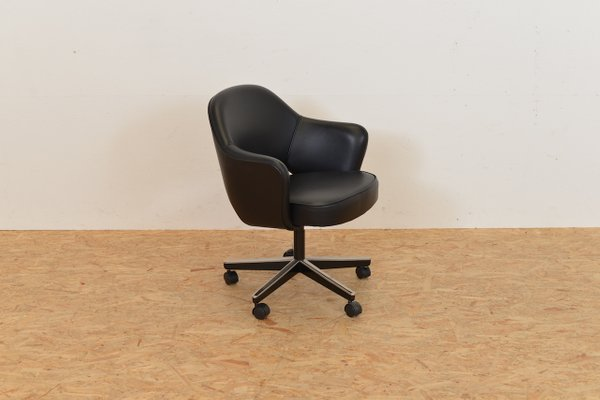 Vintage American Executive Conference Chair By Eero Saarinen For Knoll 1