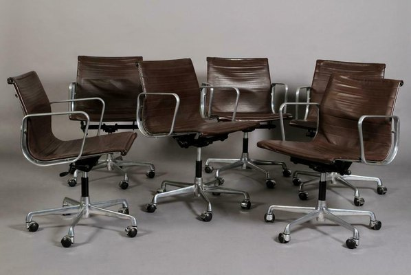 Ea 117 Brown Leather Swivel Office Chair By Charles Ray Eames For Icf De Padova 1950s