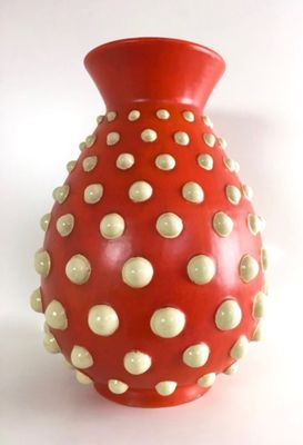 Vaso Rosso Scarlatto In Terracotta Con Pois In Rilievo Color Avorio