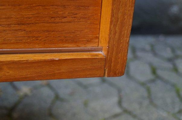 Enfilade Minimaliste avec Portes Coulissantes et Poignées en Cuir de Deutsche  Werkstätten 9 fe83d8164369