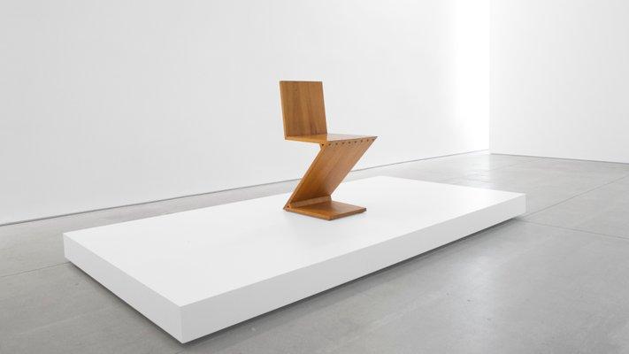 Sedia Design Rietveld.Zig Zag Chair By Gerrit Rietveld 1969