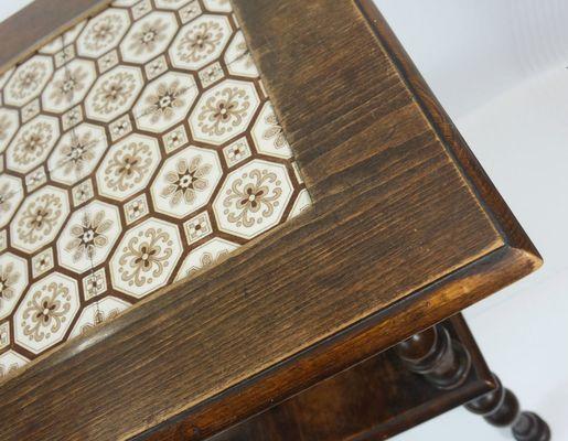 Tavolino vintage in noce con piastrelle in vendita su pamono