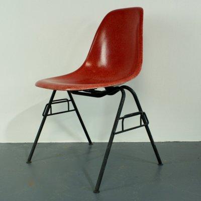 Sedia accatastabile DSS vintage rossa di Charles Eames per Herman Miller