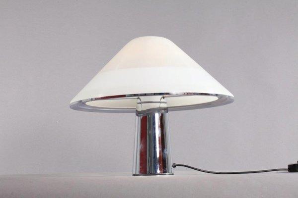 Lampade da tavolo modello mushroom di harvey guzzini anni in