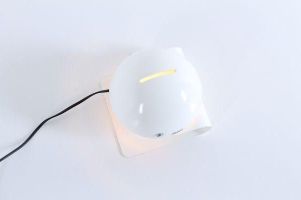 Scrivania Vintage Bianca : Lampada da tavolo vintage bianca di giuseppe cormio bugia per