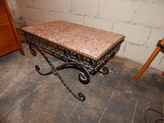 Tavolino da caffè vintage in ferro battuto e marmo anni in