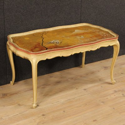 Incroyable Venetian Lacquered, Gilded And Hand Painted Coffee Table, 1950s 1