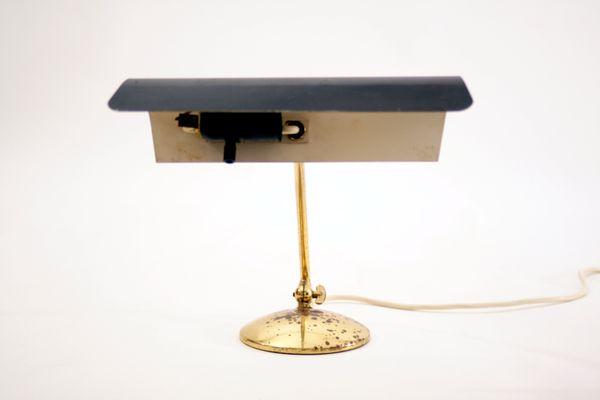 Lampe de bureau mid century en laiton allemagne en vente sur pamono