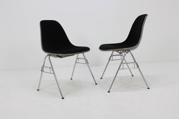 Sedie a forma di conchiglia di charles & ray eames per herman miller
