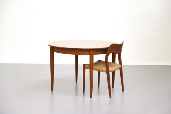 Scandinavian Teak Dining Table With Extension Leaves 2