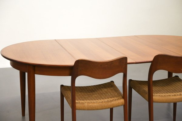 Scandinavian Teak Dining Table With Extension Leaves 10