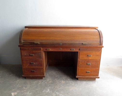 Scrivania Vintage Legno : Scrivania vintage in legno con maniglie in ottone in vendita su pamono