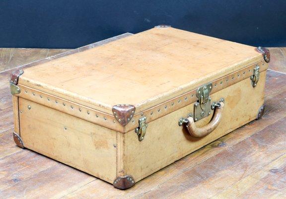 Idee arredamento la valigia diventa comodino