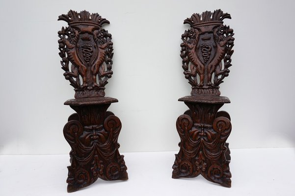 Antique Italian Carved Oak Sgabello Chairs, Set of 2 1 - Antique Italian Carved Oak Sgabello Chairs, Set Of 2 For Sale At Pamono