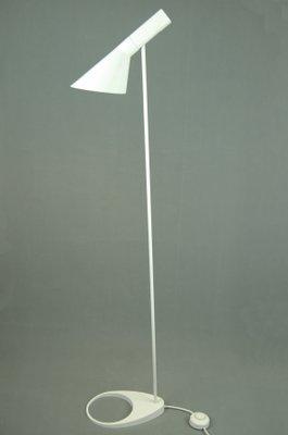 Vintage Aj Stehlampe Von Arne Jacobsen Für Louis Poulsen Bei Pamono
