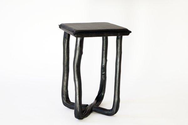 Sgabello in legno pressato nero di johannes hemann in vendita su