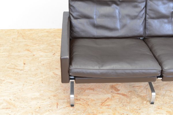 Mid Century Two Seater Leather Sofa By Poul Kjærholm For Fritz Hansen For Sale At Pamono