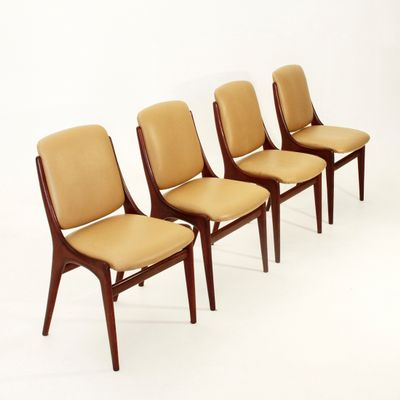 Beautiful Italian Mid Century Dining Chairs, 1960s, Set Of 4 1