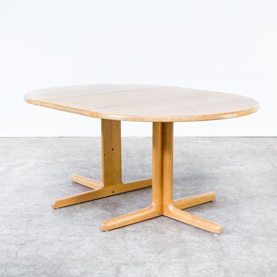 Mesa de comedor de roble macizo de Niels Bach AS, años 60 en venta ...