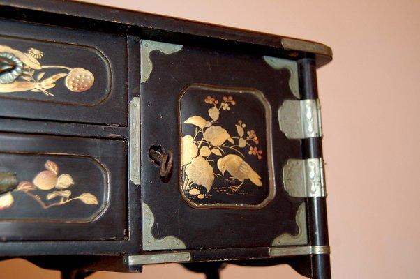 Armadio Antico Laccato : Armadio antico laccato cina in vendita su pamono