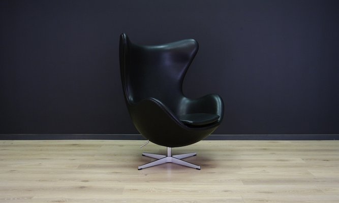 Etonnant Vintage Egg Chair In Black Leather By Arne Jacobsen For Fritz Hansen 1