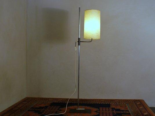 Lampada da terra vintage con paralume in fibra di vetro in vendita