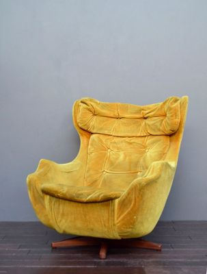 Vintage Statesman Swivel Egg Chair By Florence Knoll For Parker Knoll 1