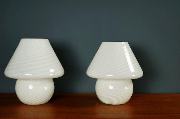 Lampade In Vetro Anni 70 : Lampade da tavolo a fungo in vetro di murano anni 70 set di 2 in