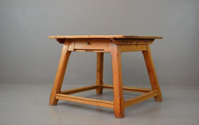Table de Salle à Manger Vintage Arts & Crafts en Pin en vente sur Pamono