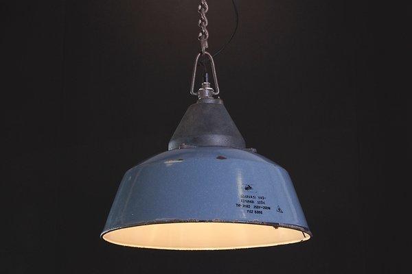 Lampada Vintage Industriale : Lampada da soffitto vintage industriale smaltata blu in vendita su