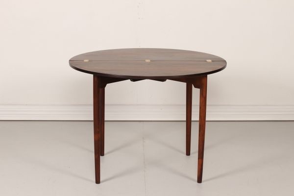 Beau Vintage FH 2081 Round Table By Hans J. Wegner For Fritz Hansen 1