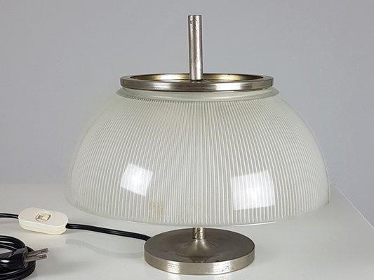 Lampada da tavolo alfetta di sergio mazza per artemide anni