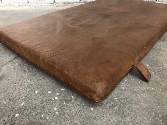 08f0d266e42367 Tappetino da ginnastica vintage in pelle in vendita su Pamono