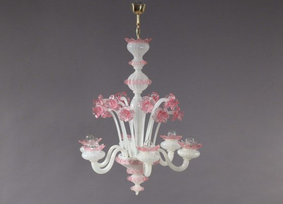 Kronleuchter Pink ~ Kronleuchter aus mundgeblasenem pinkem und weißem murano glas